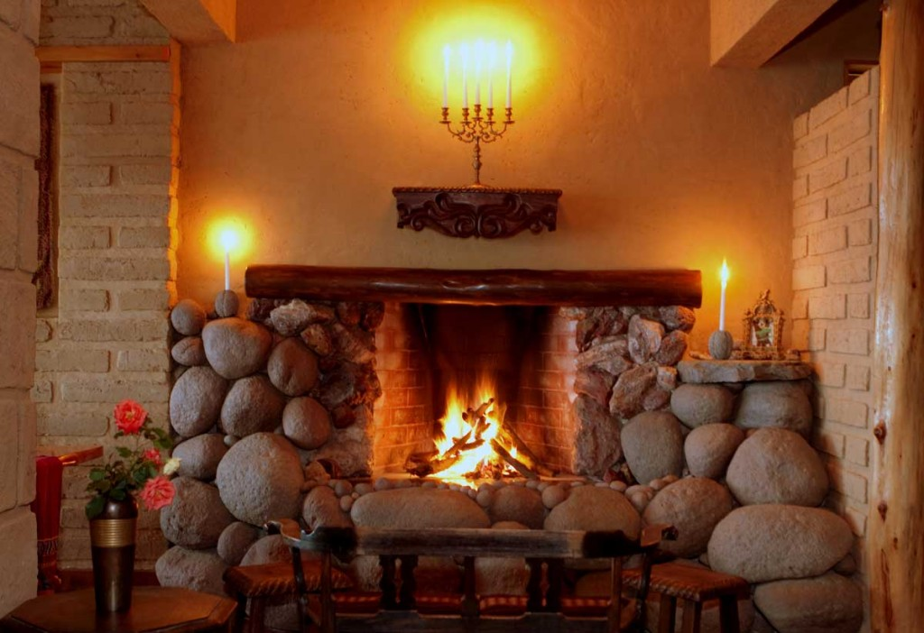 Laguna_Lodge_Fireplace_5