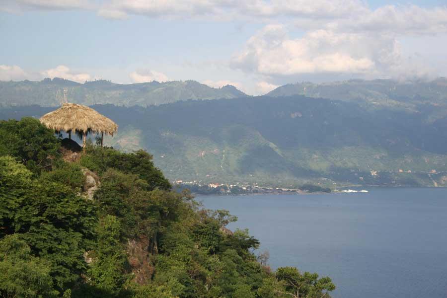 Laguna-Lodge-nature-reserve-walking2