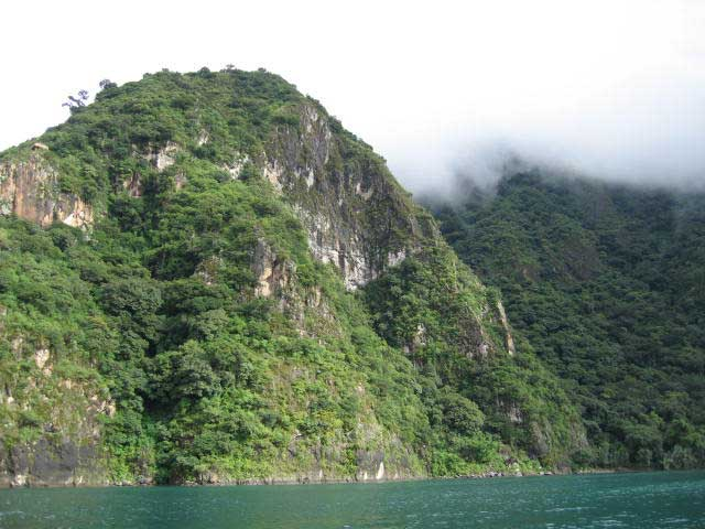 Laguna-Lodge-nature-reserve