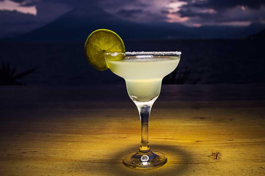 Laguna Lodge dining-at-zotz-cocktail