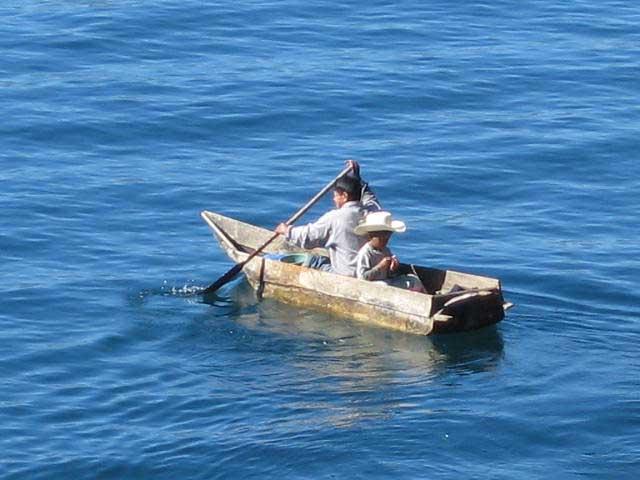 Laguna-Lodge-boat